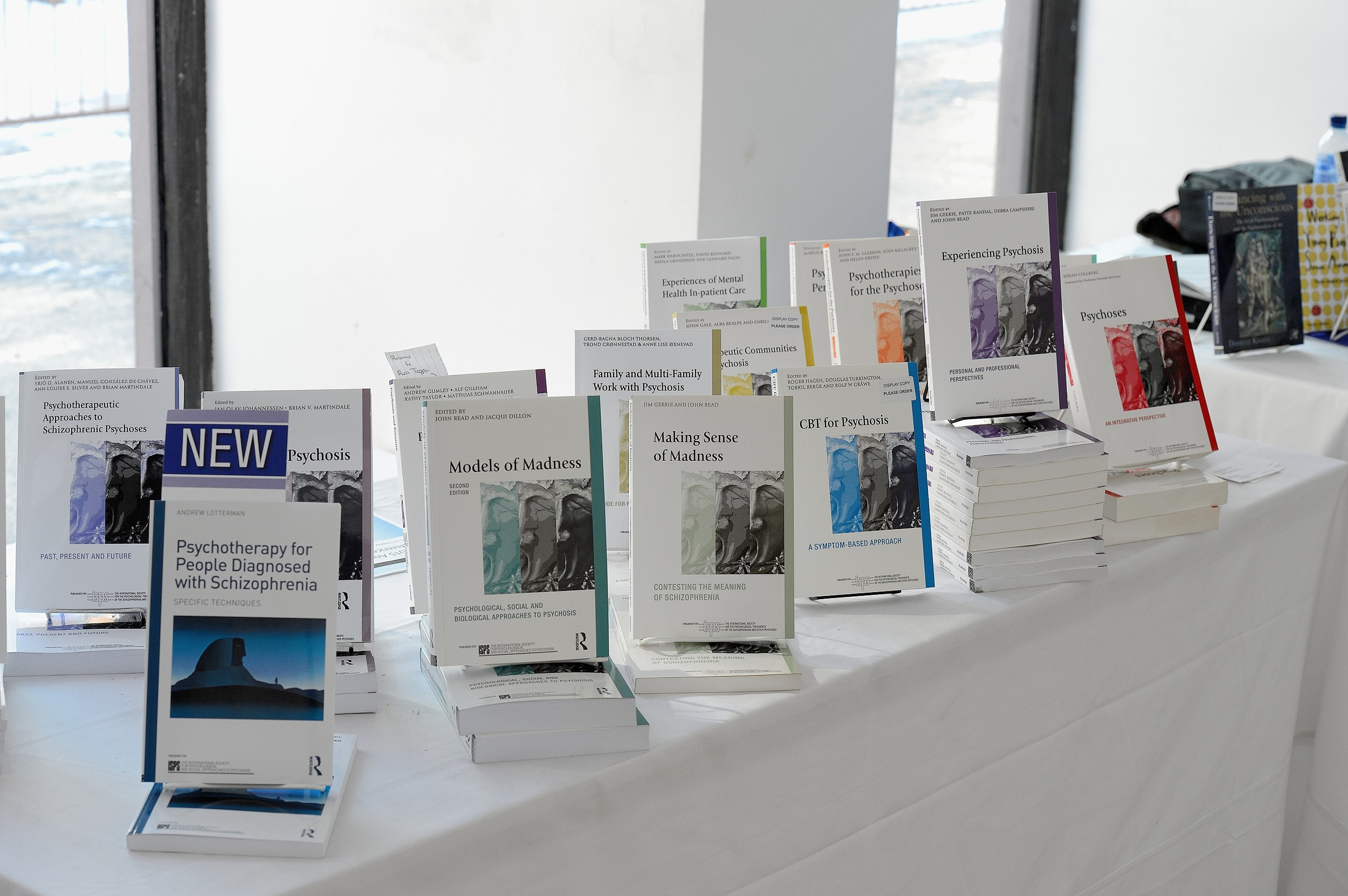 JNR 10134 The ISPS books presented at the Routledge bookstand